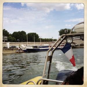 Speed-boat-paris-vitesse-promenade-bateau-photo-Se-copie-1