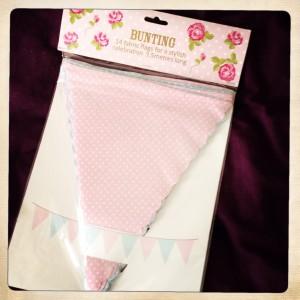 banderole-tissu-rose-poids-romantique-anniversaire-bebe-1