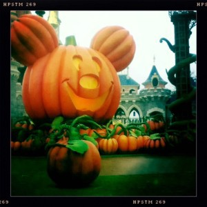 disneyland-halloween-citrouille-mickey-chateau-hipsta