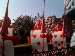 Disneyland-soldats-paris-alice-pays-merveilles-wonderland