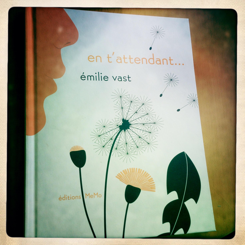 En t attendant un très joli livre pour enfant