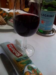 fontana-rossa-paris-verre-vin