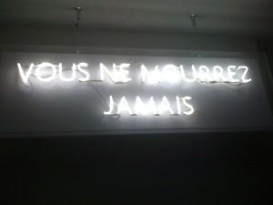 Exposition-espace-Louis-Vuitton-Paris-vous-ne-mourrez-jamai