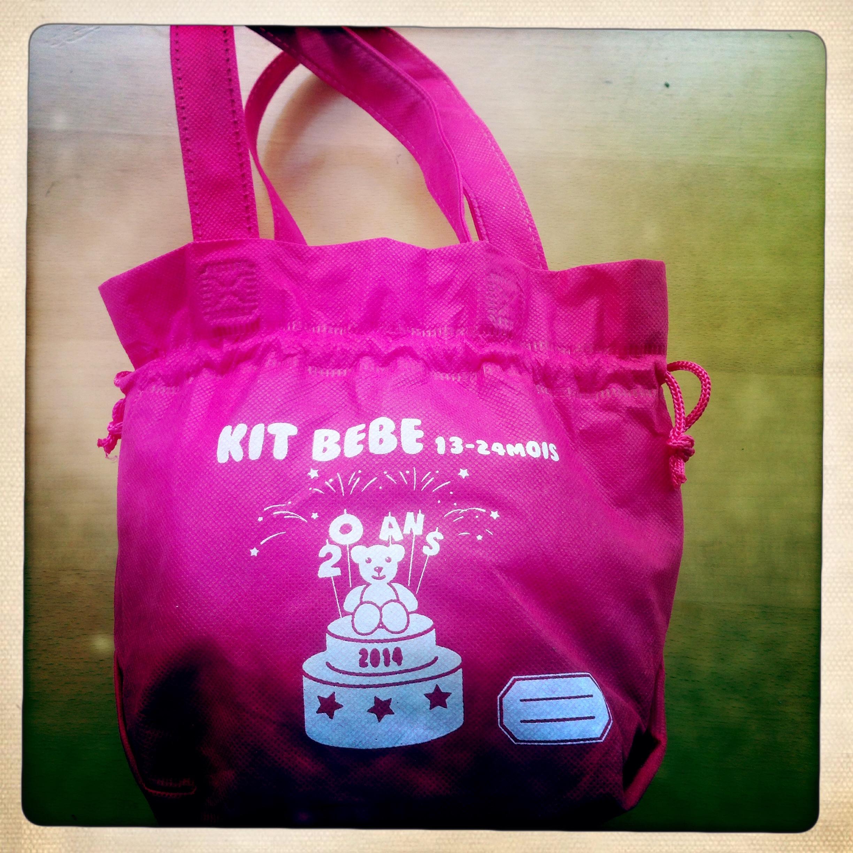 Le kit Bébé Total 2014 détails pochon