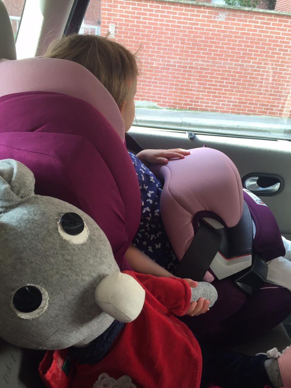 bébé malade en voiture médicament
