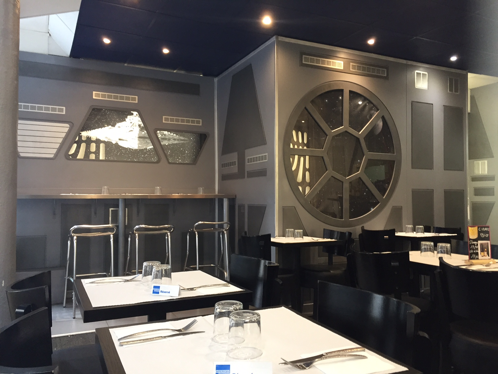 Odyssey creperie Star Wars Paris restaurant réservation