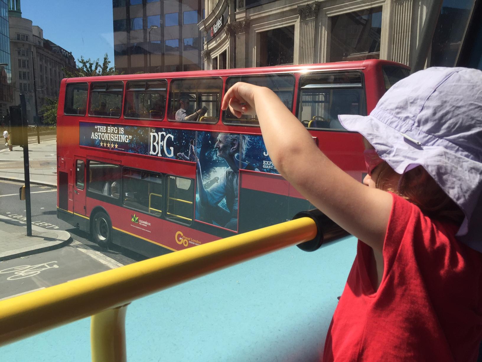 L'activité famille parfaite à Londres  Le Bus! oyster card