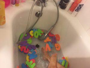 lettres-en-mousse-pour-le-bain